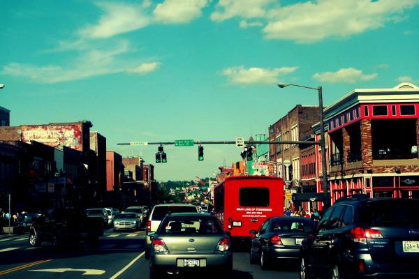 Nashville最著名的市區-百老匯街