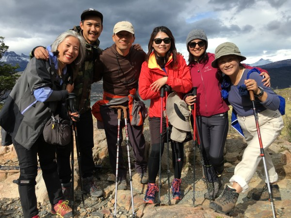 Backpacking is about meeting new friends! 健行路上遇到的好夥伴!